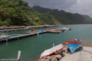 Le Routard parle encore des pêcheurs qui remontent leurs bateaux sur la plage. Ils devraient revenir mettre à jour leur guide ...