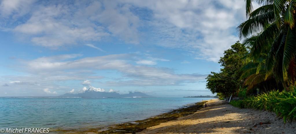 La plage de Vaiava et Moorea à l'horizon