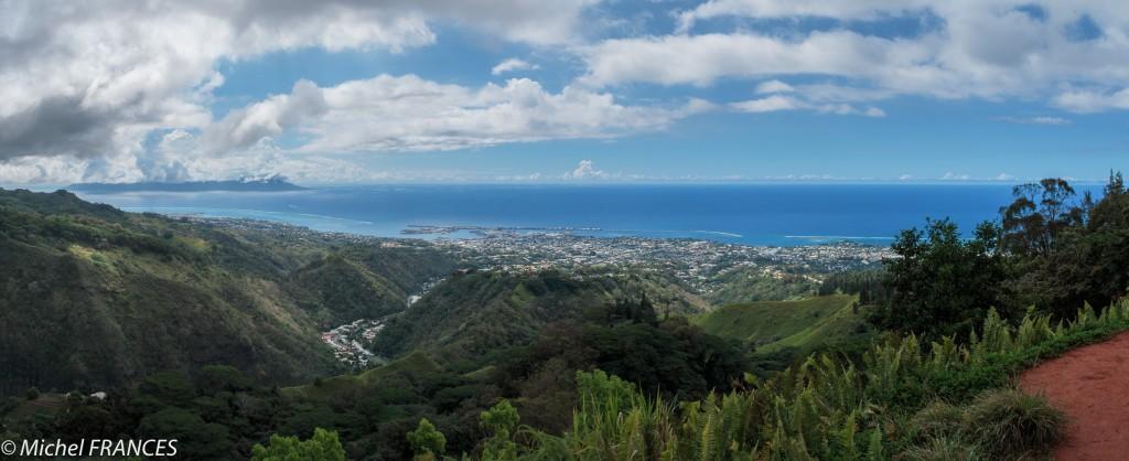 Panoramique sur Papeete et Moorea
